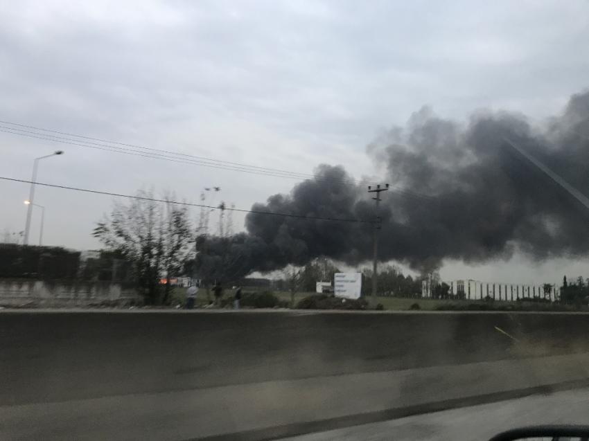 Sakarya'da geri dönüşüm fabrikasında yangın