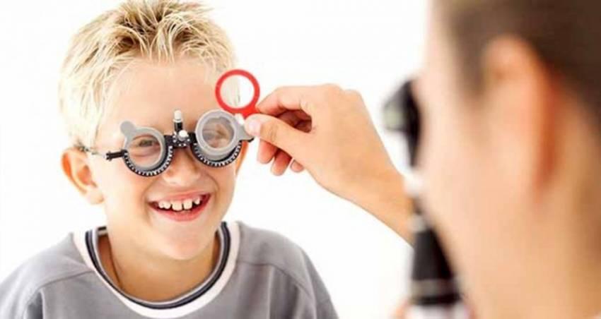 """""""Çocuklarda gözün renkli kısmı büyük görünüyorsa..."""""""