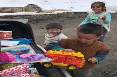 Karslı Mirza'nın oyuncak mutluluğu