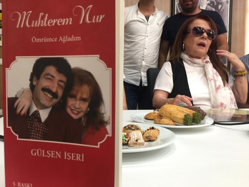 Muhterem Nur: Filmde Müslüm'ün burnunu büyük yapmışlar