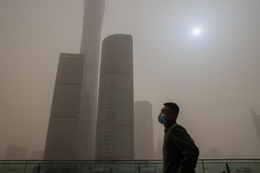Pekin'i kum fırtınası vurdu