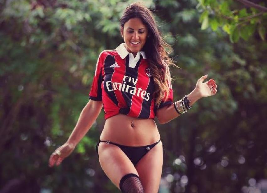 AC Milan forması ile fotoğraf çektirmesi hakemlik yapmasına engel oldu