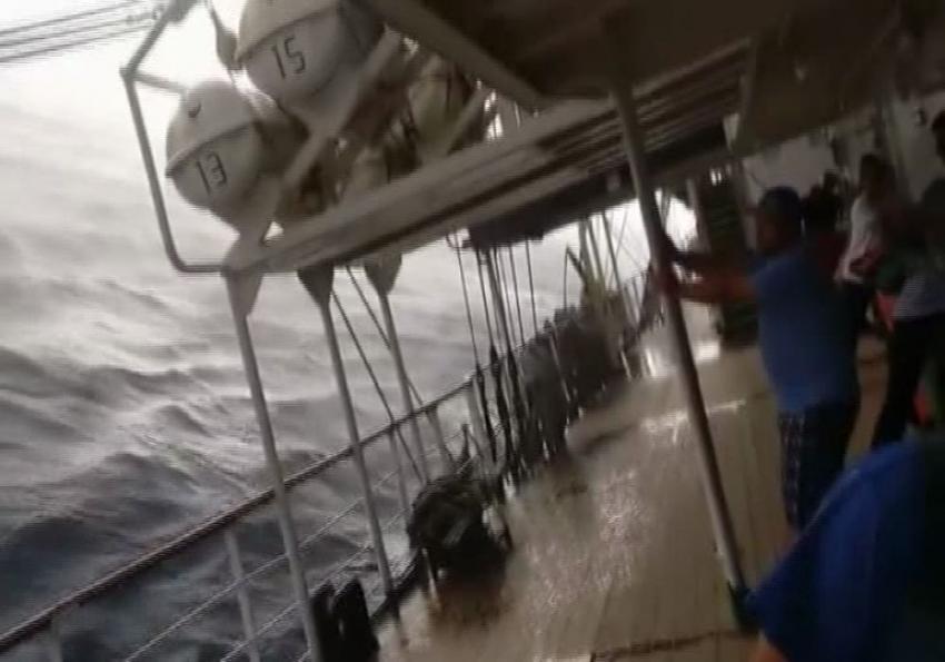 Yolcu gemisinde korku dolu dakikalar