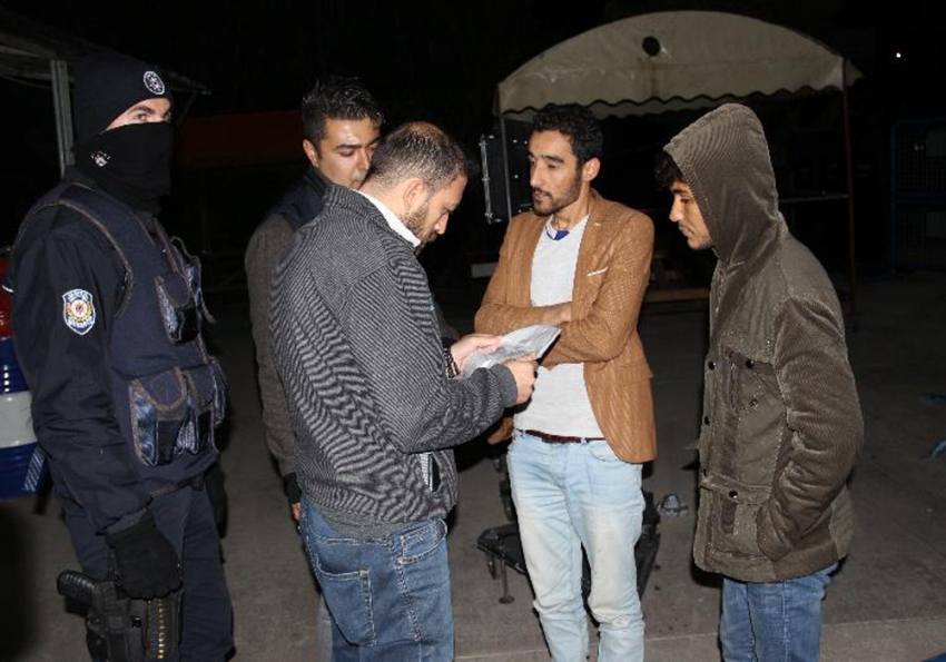 'Asker' bileti kesilen yolcular kaçak göçmen çıktı