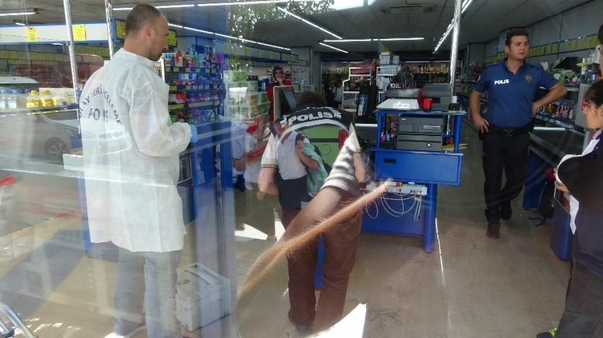Kartal'da markette silahlı soygun