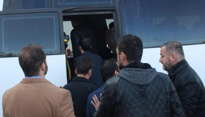 Konya'da 28 asker FETÖ'den tutuklandı