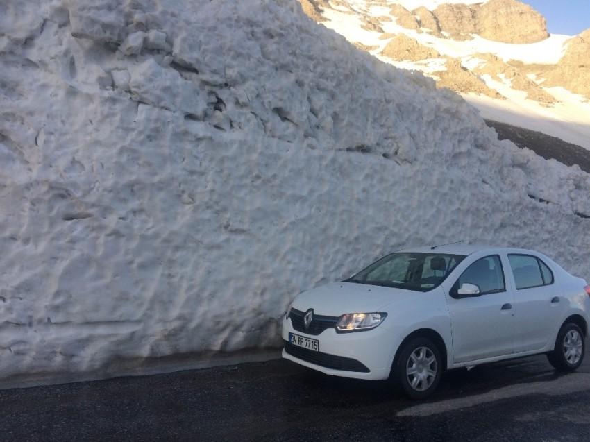 Mayıs ayında kar kalınlığı 4 metre