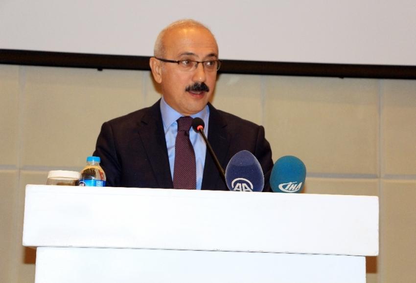 Bakan Elvan Mersin'deki bombalı saldırıyı kınadı
