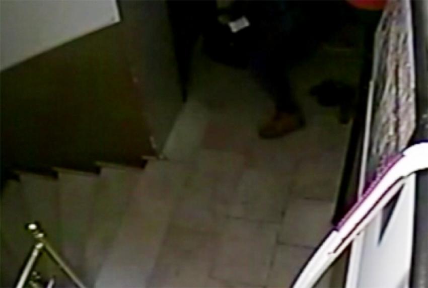 Beyoğlu'nda ayakkabı hırsızı kamerada
