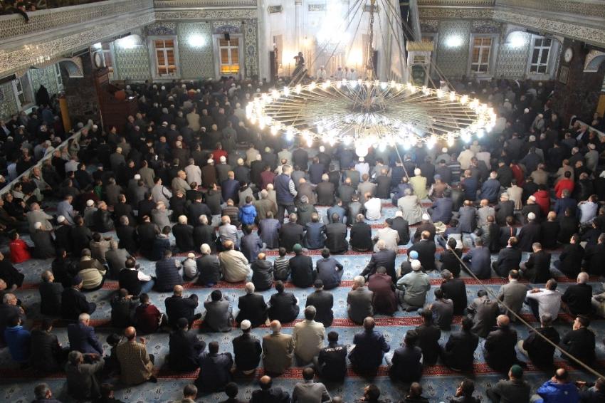 Mevlit Kandili tüm yurtta dualarla ihya edildi