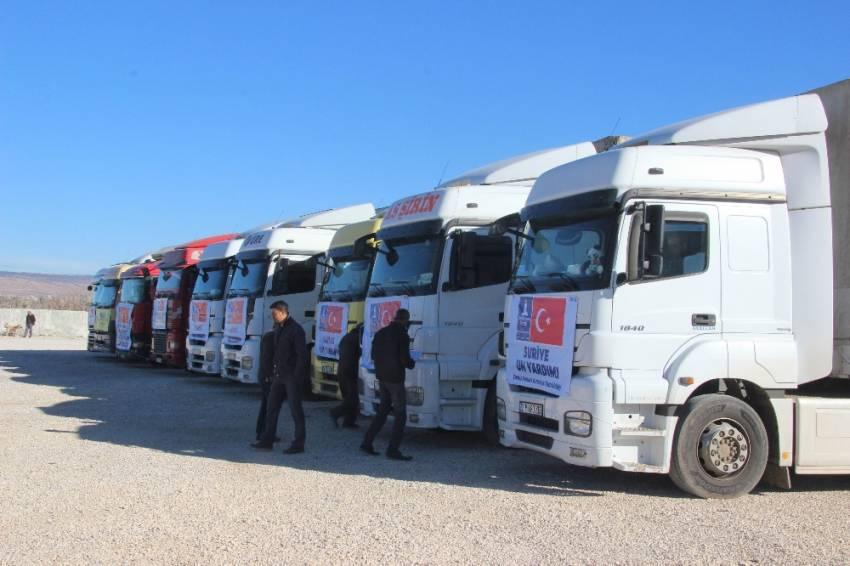 Halep'e insanı yardım malzemesi gönderildi