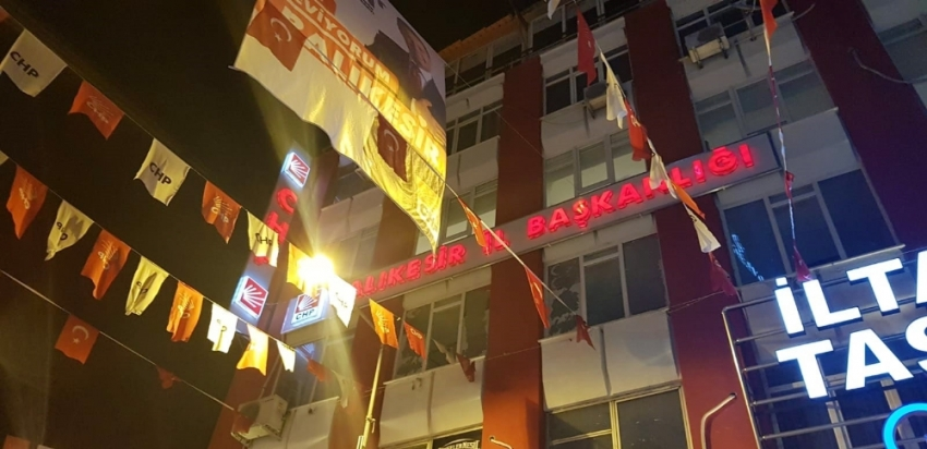"""Balıkesir'de """"Kemal istifa"""" sloganları"""