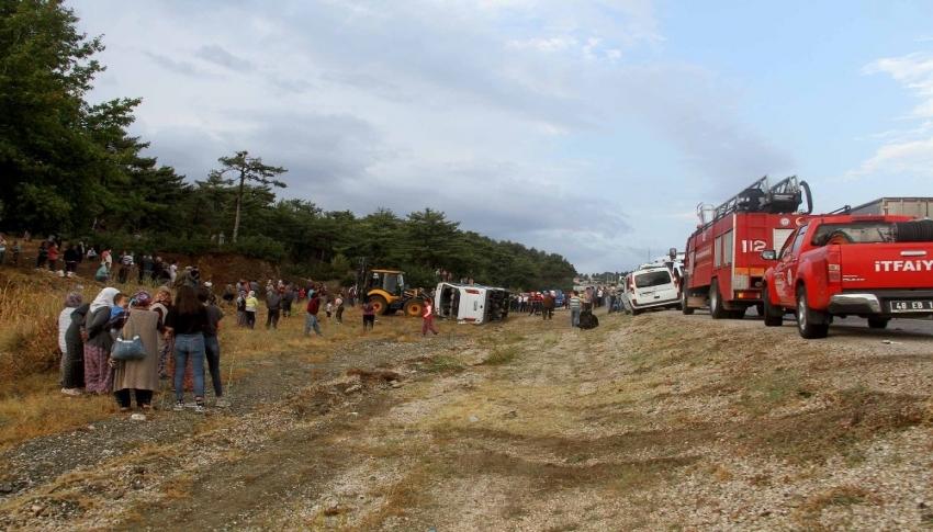 Muğla'daki minibüs kazasında ölü sayısı ikiye çıktı
