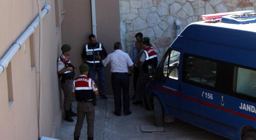 Savcıyı vuran polis ile eşi tutuklandı