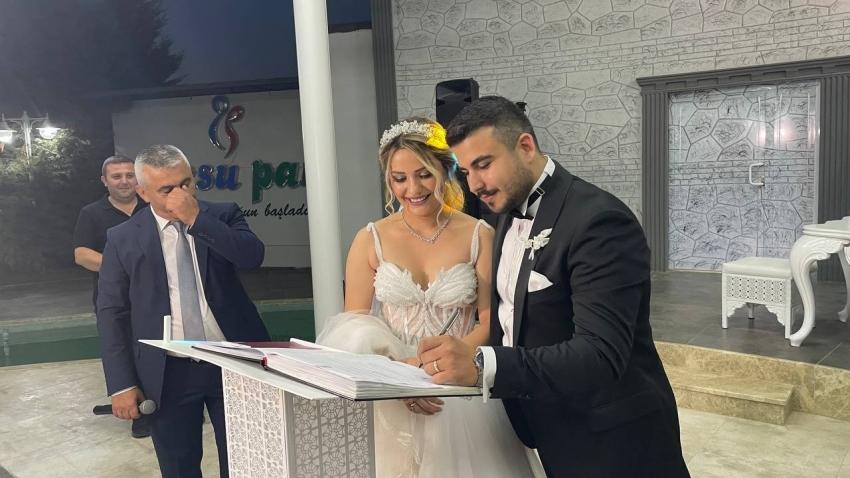 Bursa'da nikah memuru kendi kızının nikahını kıydı