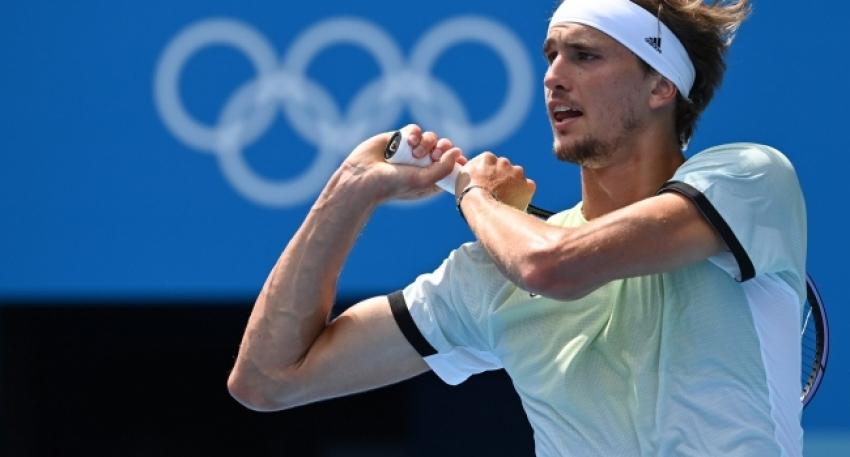 Teniste tek erkeklerde son yarı finalist belli oldu