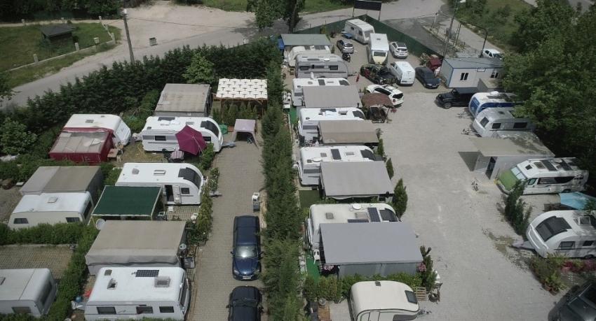 Bursa'da hayatı eve değil karavana sığdırdılar