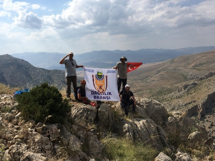 Belediyesporlu dağcılar 3 günde 3 zirveye tırmandı
