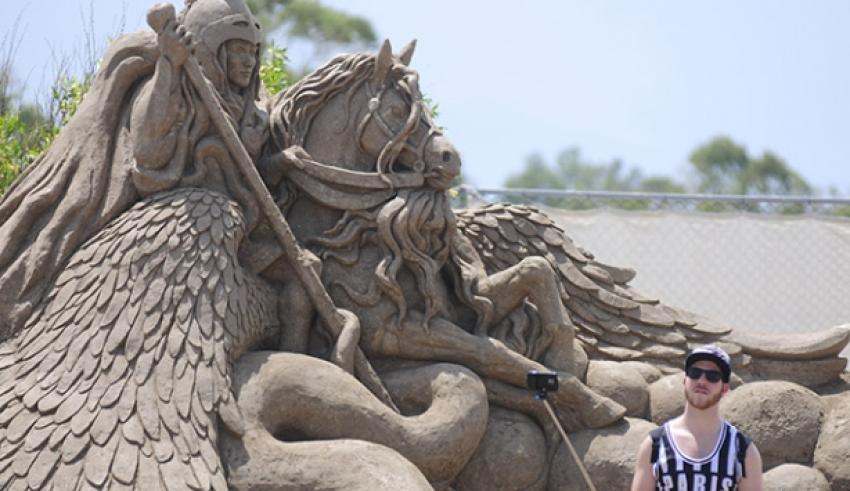 Antalya'da mitolojik kahramanlar 'heykele' dönüştü