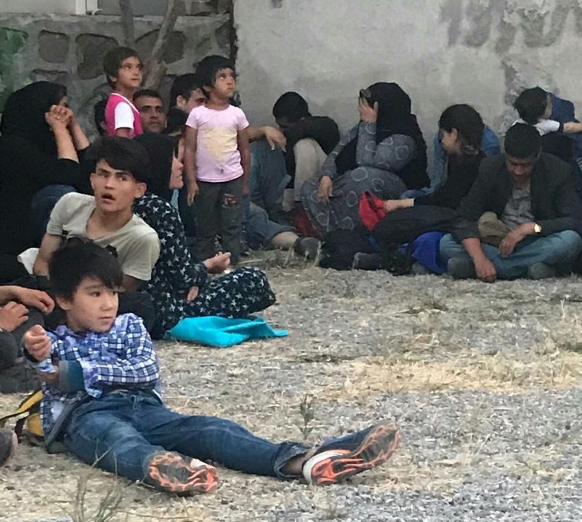 Ayvalık'ta 37 mülteci yakalandı