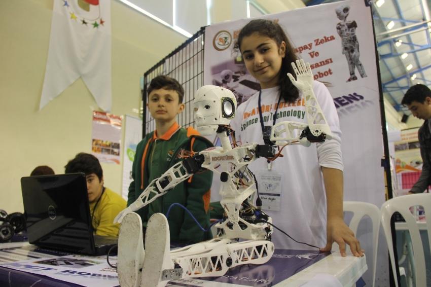 Özgün üretim robotlar Gebze'de yarışıyor