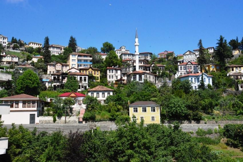 """Doğu Karadeniz'in Safranbolusu: """"Ortamahalle"""""""