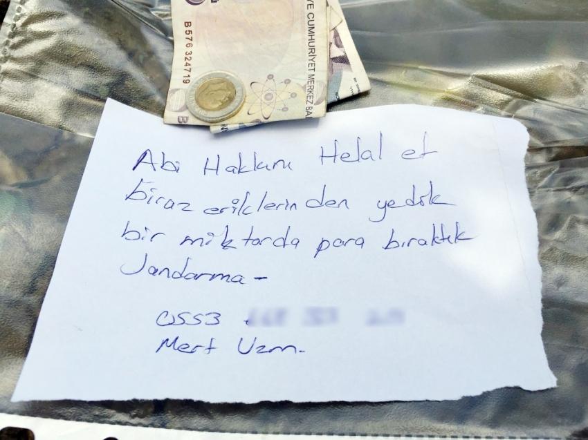 Bahçeden erik yiyen jandarma para ve not bıraktı