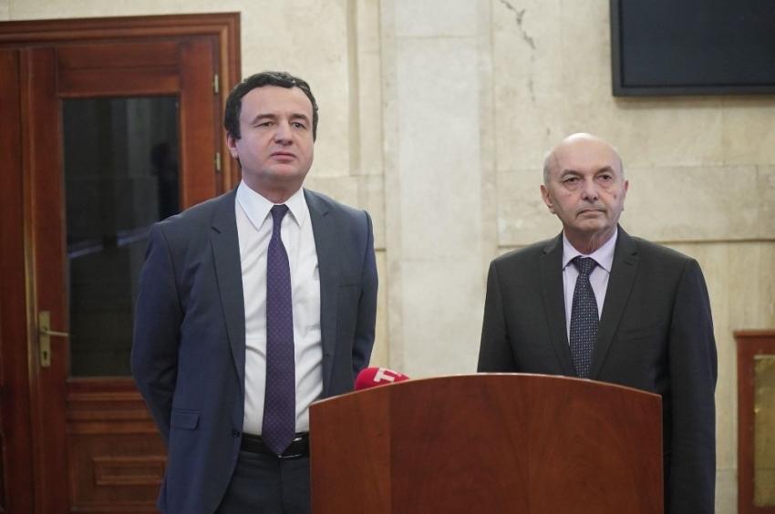 Kosova'da koalisyon hükümeti anlaşma imzaladı
