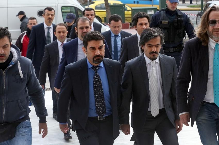 Yunan Mahkemesi darbeciye ilticayı durdurdu