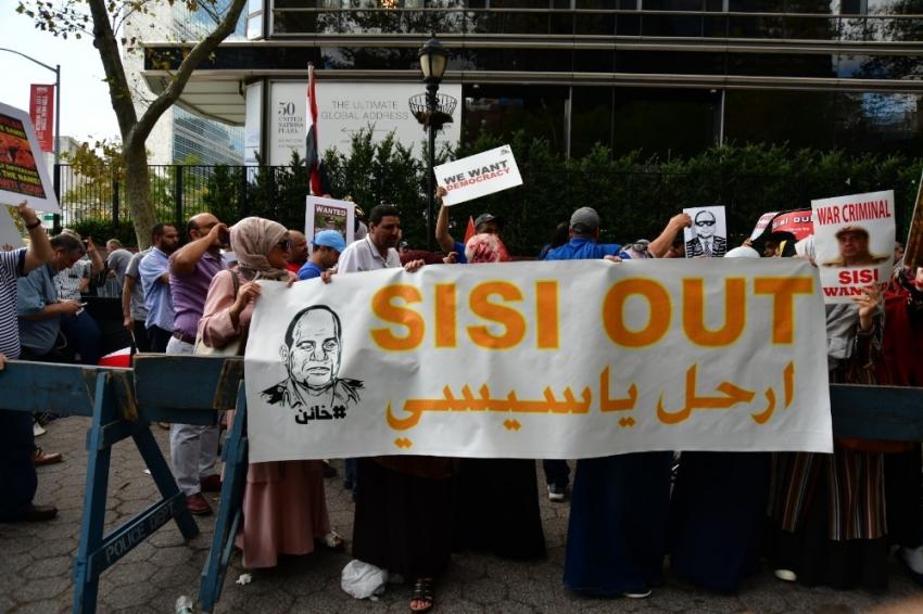 New York'ta, Sisi karşıtı gösterilerde gergin anlar yaşandı