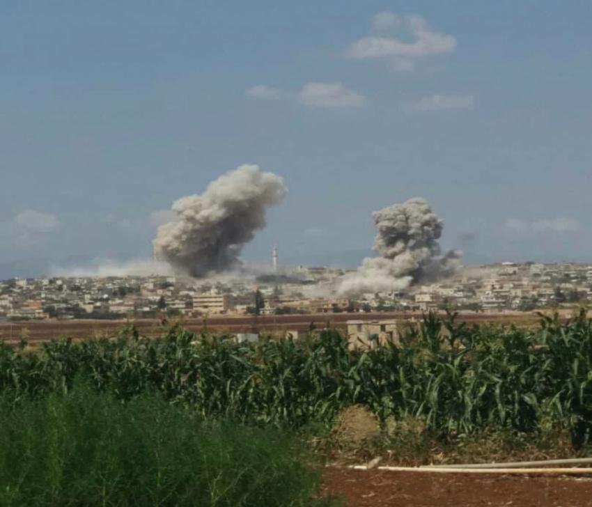 İdlib ve Hama'ya bomba yağdı: 17 yaralı
