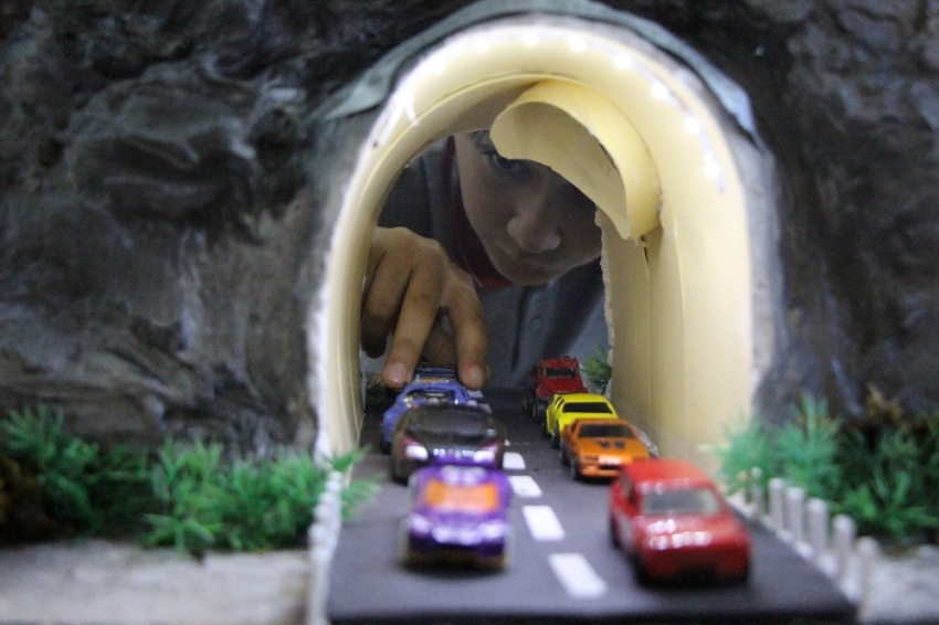 Öğrencilerden tünelleri bedava aydınlatacak proje