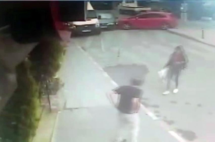 Fenalaşan sürücünün kaza anı kamerada