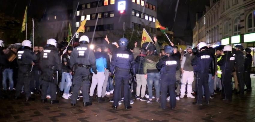 Almanya'da terör örgütü yandaşları Türk gençlere saldırdı