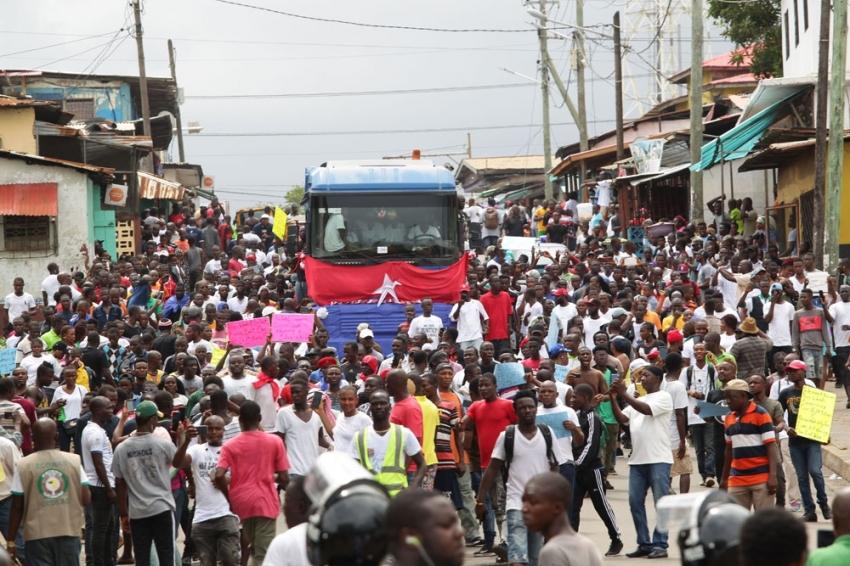 Liberya'da halk, Devlet Başkanı Weah'a karşı sokakta