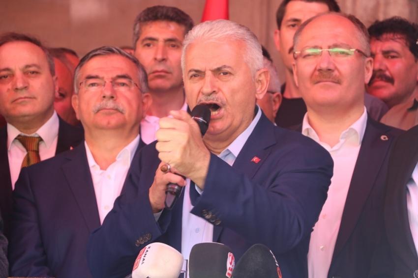 """Binali Yıldırım'dan Sivaslılara """"erken dönün"""" çağrısı"""