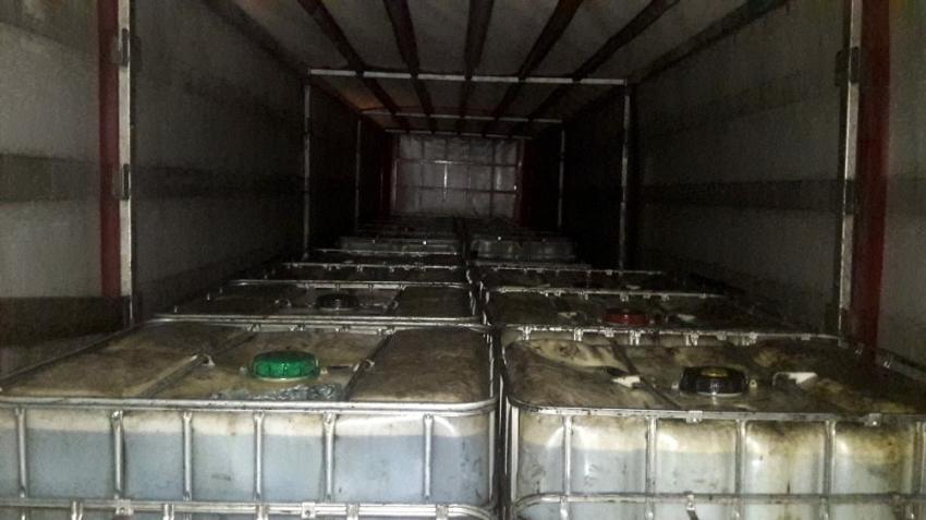 İstanbul'da tırda 29 ton kaçak akaryakıt ele geçirildi