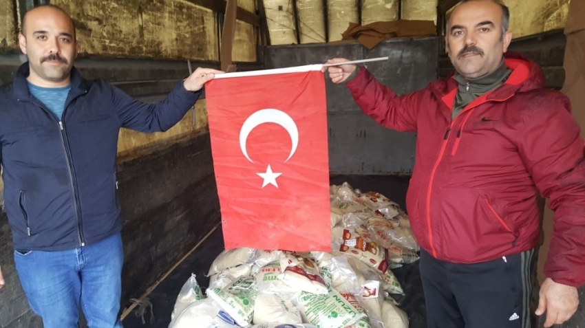 Türkmenlere gıda yardımı