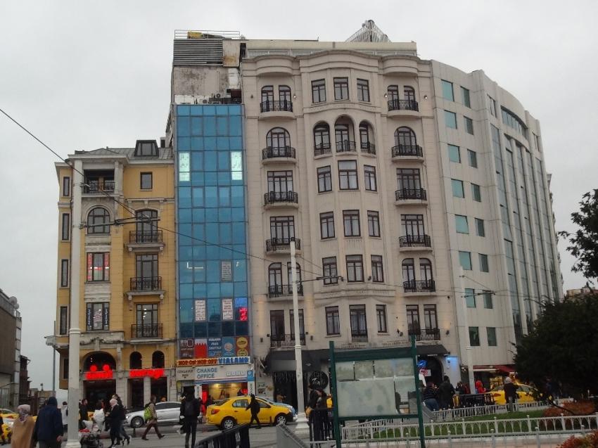 Taksim'de otelde korkunç olay: 1 ölü, 1 yaralı