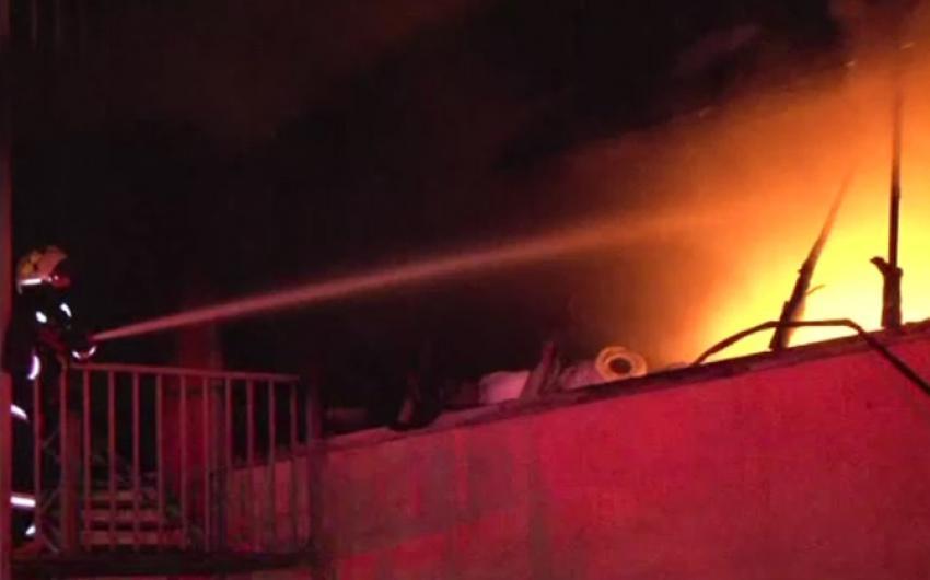 Perde fabrikasında büyük yangın!