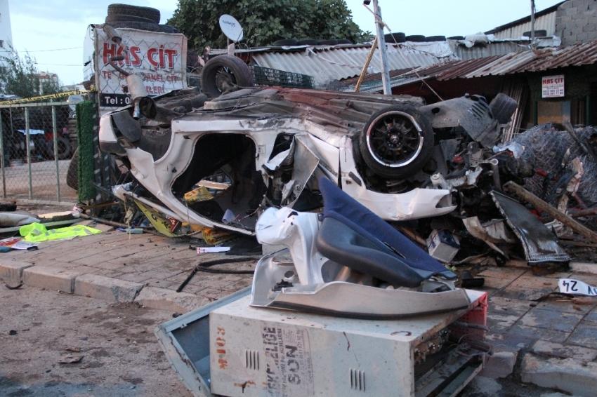 Takla atan araçta can pazarı: 2 ölü, 1 yaralı