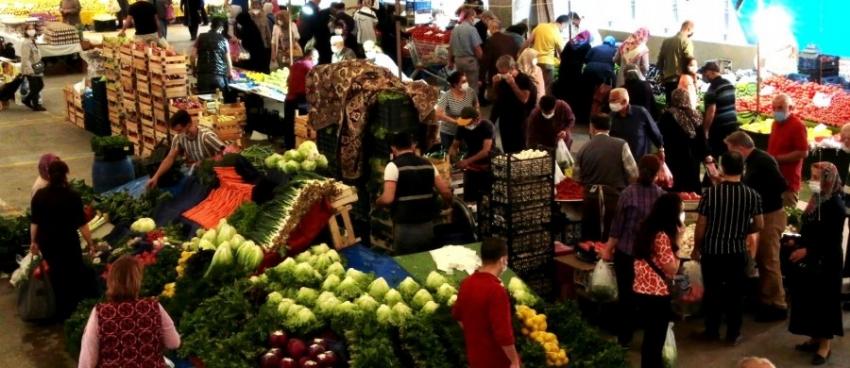 Bursa'da pazarlar açıldı zincir marketlerde endişe var!