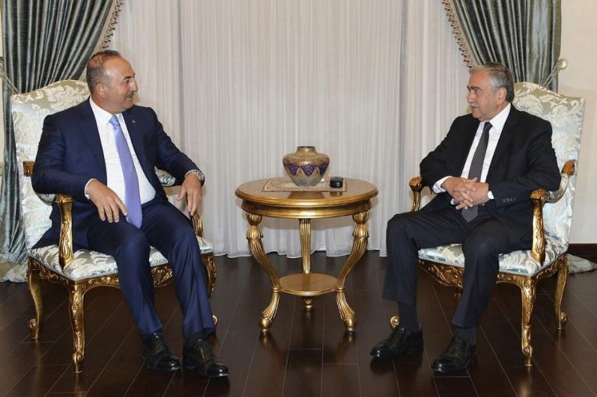 Bakan Çavuşoğlu, KKTC Cumhurbaşkanı Akıncı ile bir araya geldi