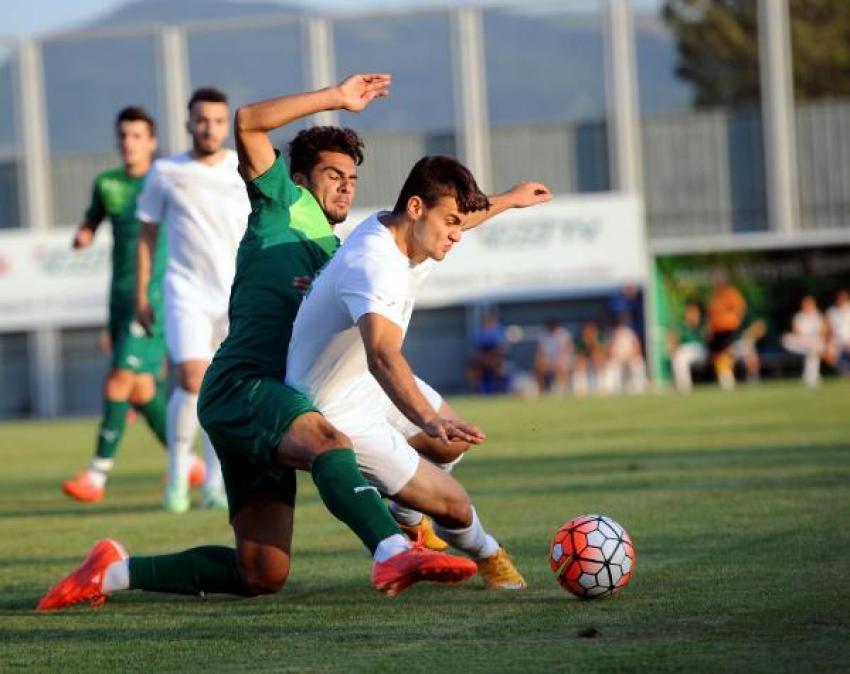 Bursaspor, özel maçta Yeşil Bursa'yı 2-0 yendi