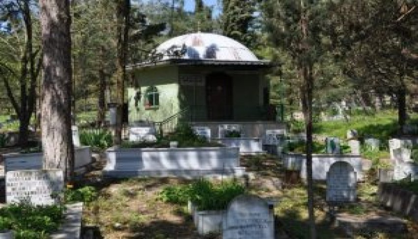 Bursa'da Hasan Dede türbesi onarılıyor