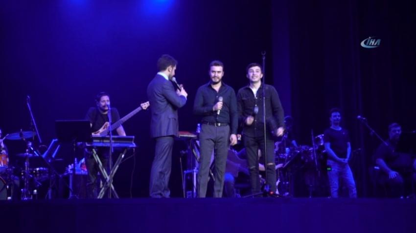 Mustafa Ceceli Moskova'da konser verdi