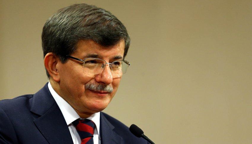 Davutoğlu'nun konuşmasında dikkat çeken detay!