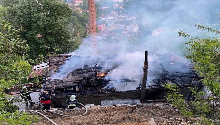Evlerinin yandığını iftara gittikleri komşularında öğrendiler