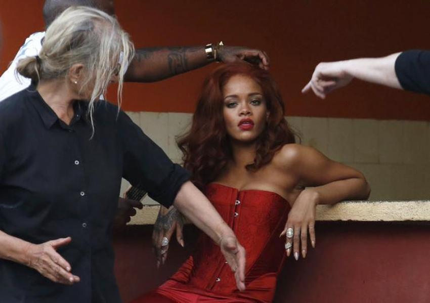 Ofislerde Rihanna modası