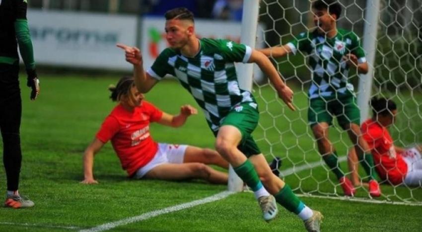 Bursaspor'a U19 Milli Takımı'nın kamp çalışmalarından davet